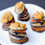 Torri di Melanzane e Mazzancolle con Pomodori, Olive e Capperi