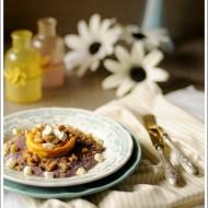 Tortino di Formaggio Galaverna del Mugello con Cuore Fondente su Crema di Trevigiano e Pera con Crumble di Castagne e Nocciole Tostate