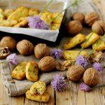 Biscottini Salati al Caprino con Erba Cipollina e Noci