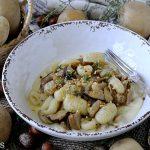 Gnocchi di Patate al Pepolino con Porcini e Fonduta di Taleggio