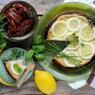 Cheesecake Salato al Limone con Pomodori Secchi ed Erbe Aromatiche