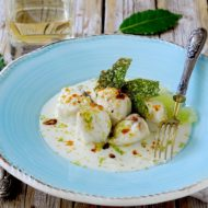 Bocconcini di Rana Pescatrice con Salsa al Franciacorta, Lime, Bottarga e Tuile al Basilico
