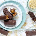 Toffee Crisp Chocolate Bars (Barrette di Riso Soffiato al Caramello Salato Ricoperte di Cioccolato Fondente)