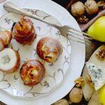 Pere Ripiene di Roquefort e Noci in Crosta di Prosciutto Crudo